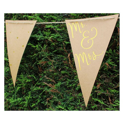 Embossed Gold Mr & Mrs Bunting (AP-WED243)